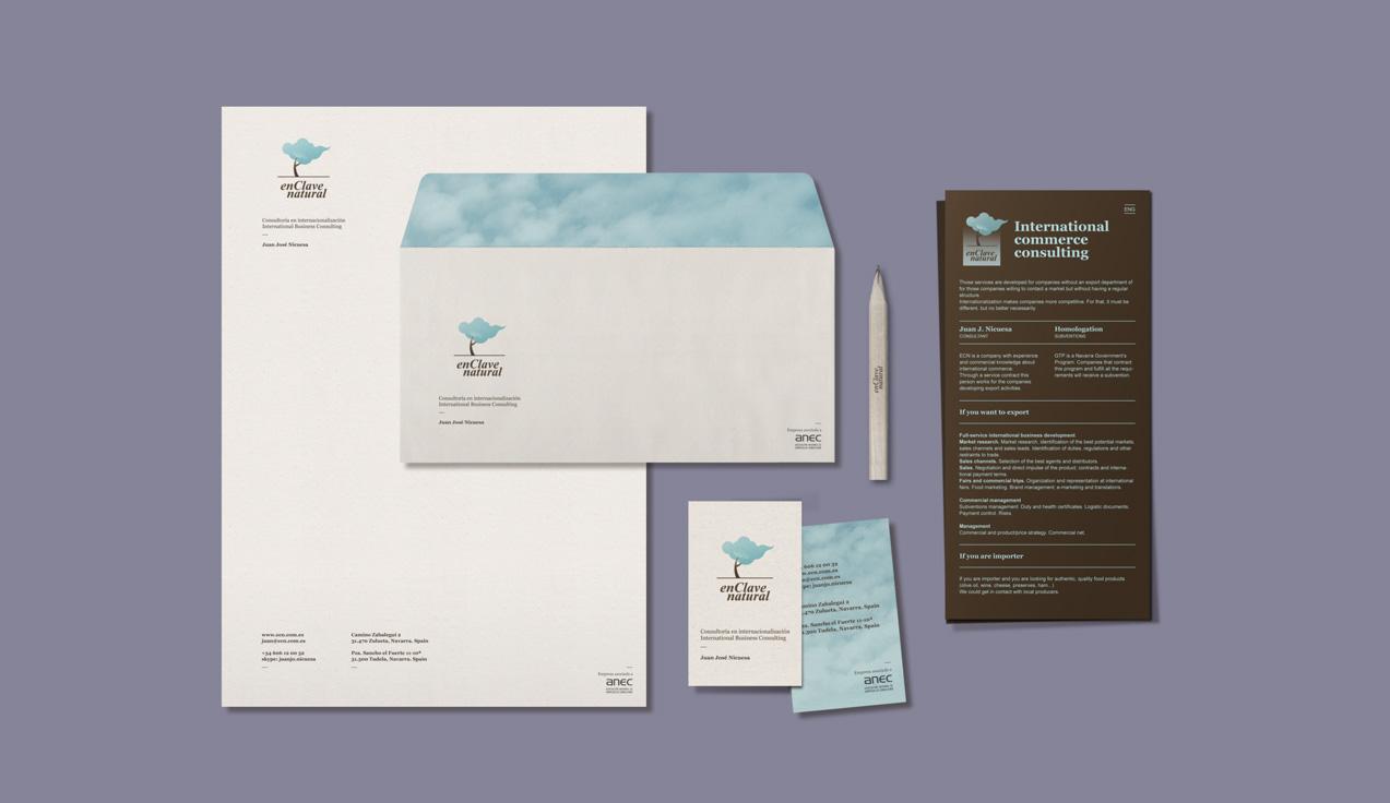 Diseño de papelería corporativa de En Clave Natural