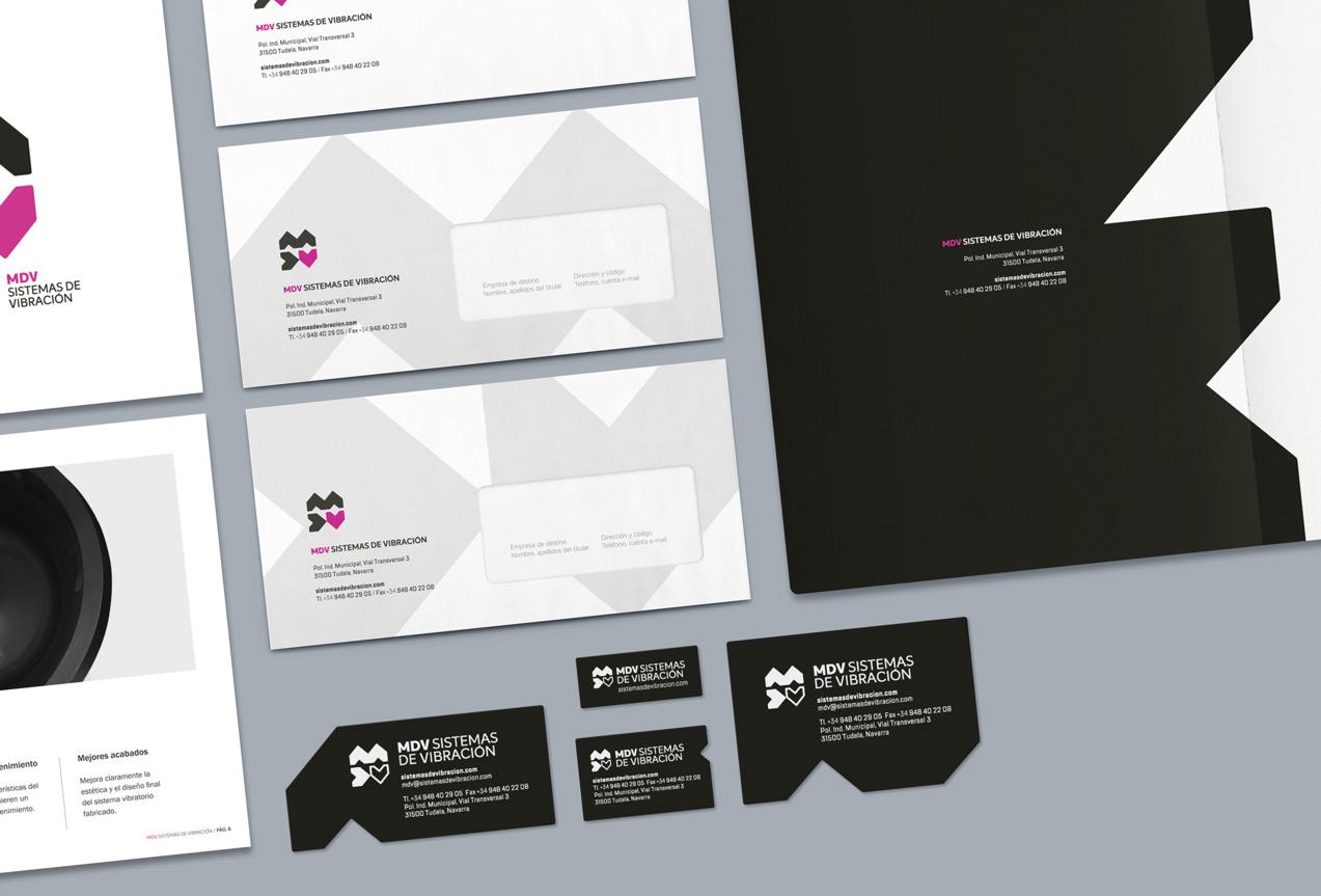 detalle de diseño de papelería corporativa de MDV