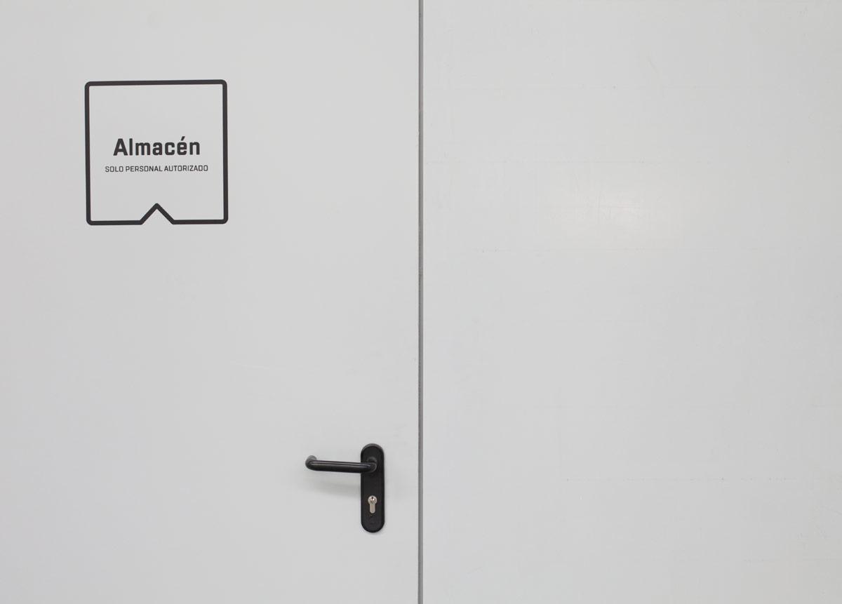 diseño de señalética -almacén- de MDV