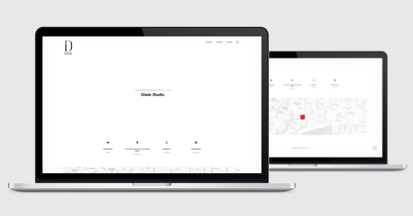 presentación de diseño y programacion de pagina web para Disak Estudio dedicado al diseno de interiores de lujo presentada en 2 laptops