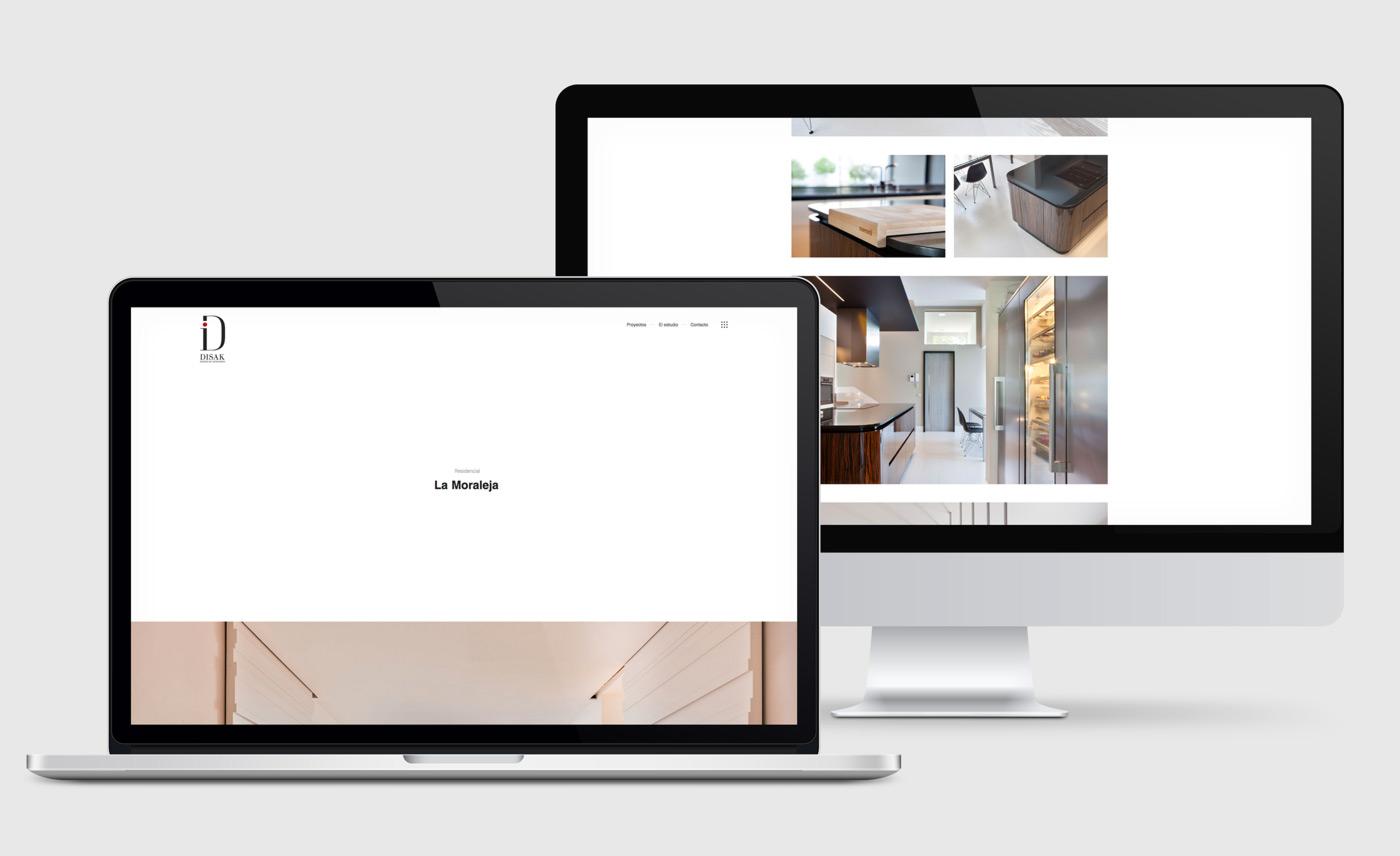 presentación de diseño y programacion de pagina web para Disak Estudio dedicado al diseno de interiores de lujo presentación de proyecto en portatil y desktop