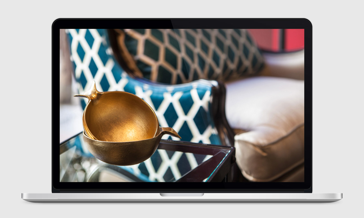 presentación de diseño y programacion de pagina web para Disak Estudio dedicado al diseno de interiores de lujo presentación de proyecto en portatil
